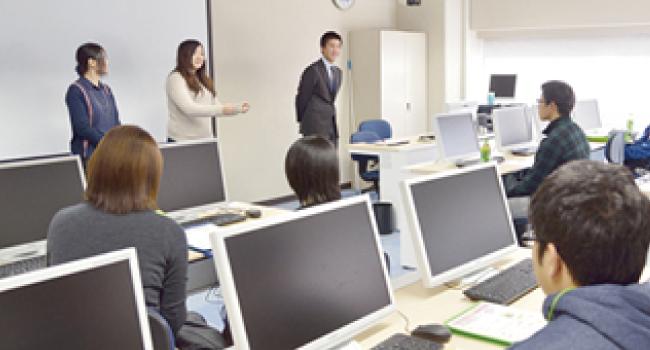 卒業生講演会
